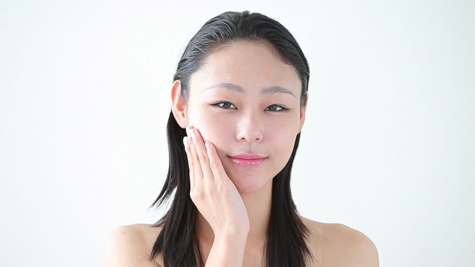710137463-cura-della-pelle-cura-del-viso-busto-giapponese
